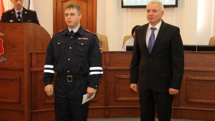 Начальник краевой полиции наградил сотрудников, отказавшихся от взяток