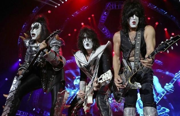 """Уникальный фильм-концерт Kiss rocks Vegas покажут в """"Синема Парк"""" 25 мая"""
