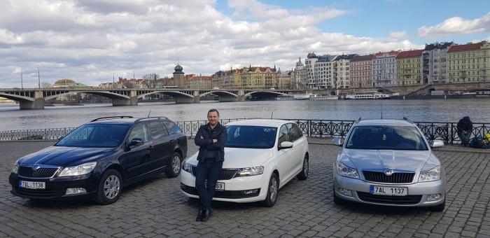 Мартин Калиш и «Шкоды», на которых трансферная компания возит пассажиров