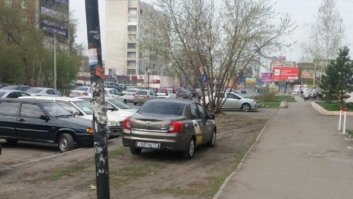 «Я паркуюсь как»: стоянка для Аладдина и «питерский красавчик»