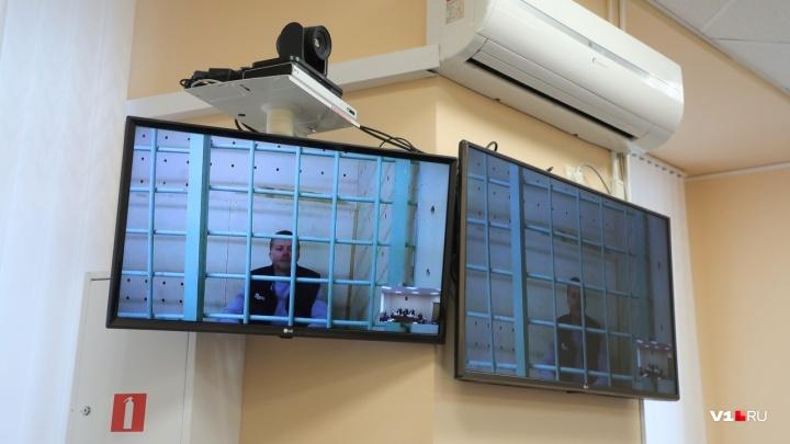 «Дело заказали»: в Волгограде суд взял паузу в процессе о присвоении 11 млн рублей директором фонда