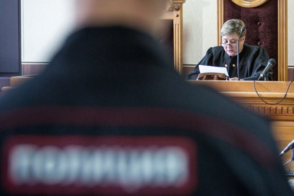 Чиновник Росавиации предстанет перед судом за две взятки