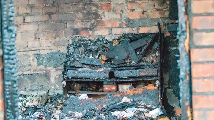 Крупный пожар: в Ростове горел одноэтажный частный дом
