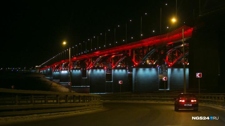 «Его видели по камерам»: красноярец спрыгнул с 4-го моста в Енисей