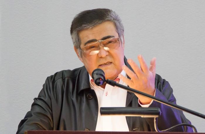 Аман Тулеев продлил отпуск на неопределённый срок