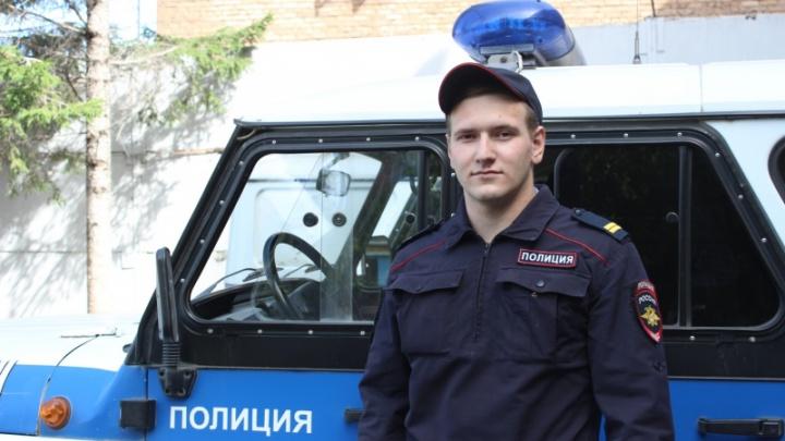 Полицейский спас от падения с крыши многоэтажки 15-летнюю девочку