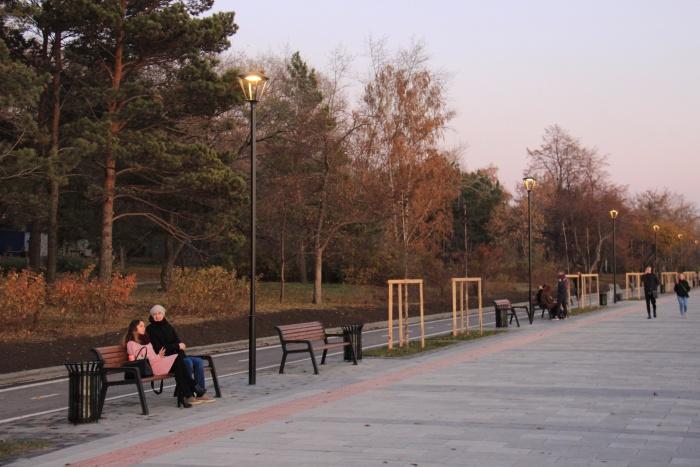 Новые кусты и деревья на набережной высадят к середине осени
