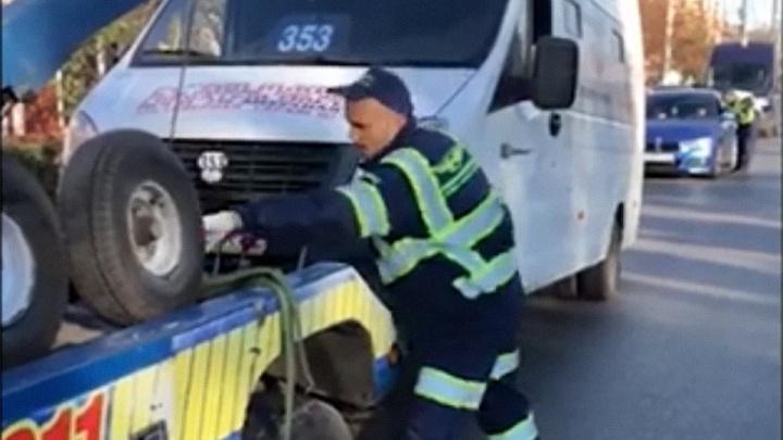 Полицейские сняли с рейса пьяного водителя маршрутки до Амура