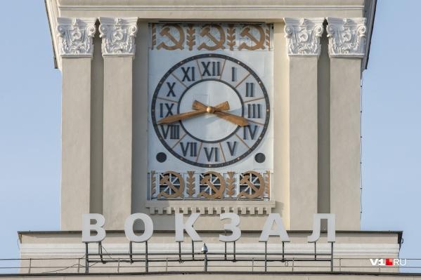 На башню вокзала вернули часы