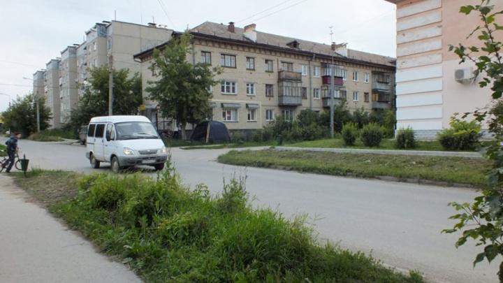 В Челябинской области трёхлетний малыш ушёл из дома и один гулял по городу