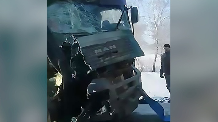 В аварии нет пострадавших, но грузовики оказались сильно разбиты