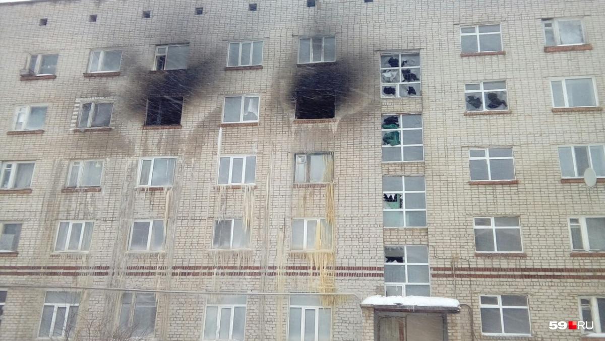 Больше всего от огня пострадал четвертый этаж