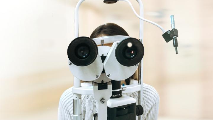 Как понять, что ребенок теряет зрение: тревожные сигналы для родителей