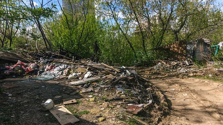 Мусор переправляют за реку: «ЭкоСтройРесурс» стал вывозить отходы с правого берега Волги на левый