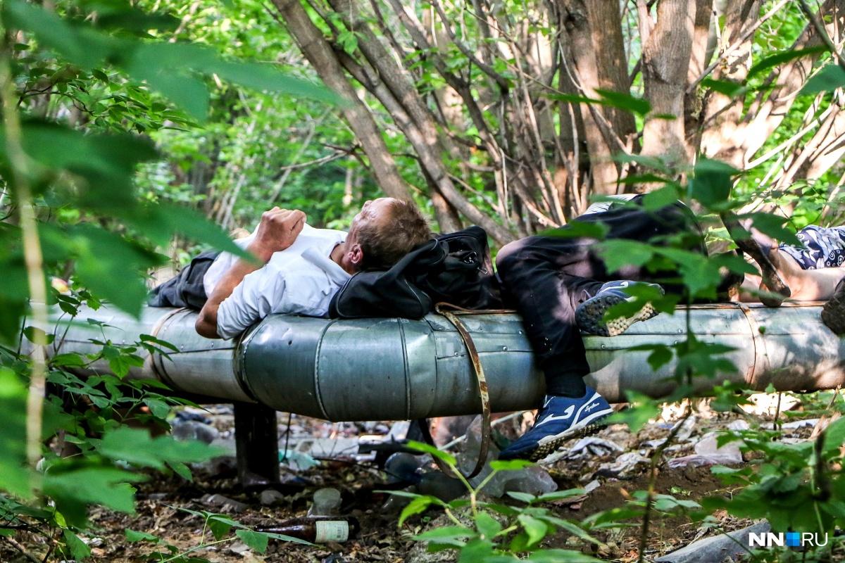 В качестве жертвы молодые убийцы выбрали беспомощного бездомного, с которым они безжалостно расправились