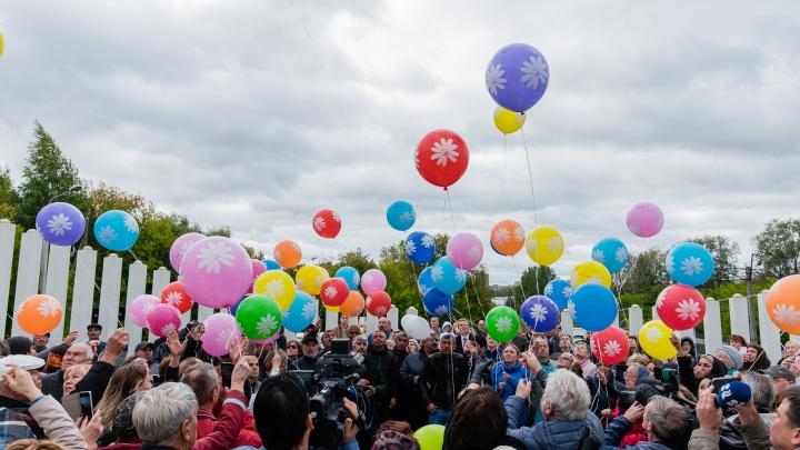 Прошло 10 лет. В Перми на месте падения «Боинга-737» почтили память погибших. Фоторепортаж