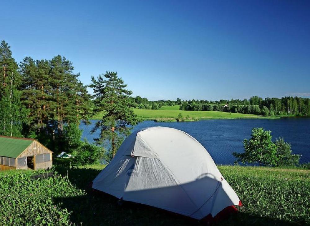 Путешественники часто разбивали палатки и ночевали на природе