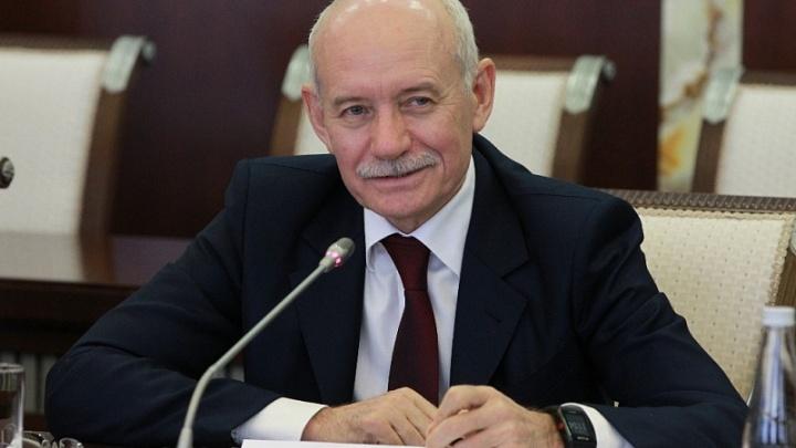 Рустэм Хамитов пообещал трудоустроить студентов, победивших на международных конкурсах