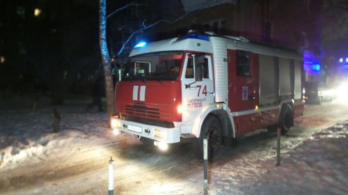 Пожарные эвакуировали из дома 18 взрослых и двоих детей
