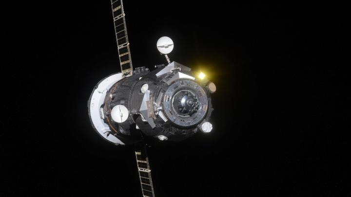 Самарский космонавт снял на фотоотстыковку корабля «Прогресс МС-09», который сбросили в океан