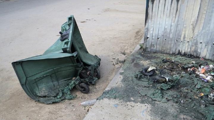 Пять штук за сутки: в Волгоградской области горят мусорные контейнеры