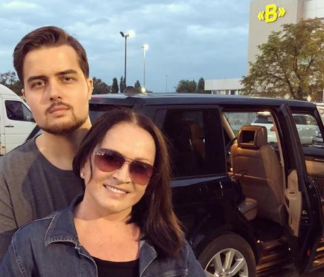 «Ура! Я дома!»: Софию Ротару выписали из больницы после инцидента в Уфе