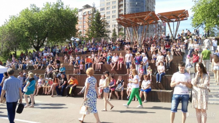 «Выбрали самого горячо любимого красноярцами исполнителя»: назван хедлайнер Дня города в Красноярске
