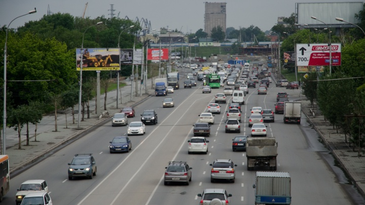 На машины деньги есть: новосибирцы стали покупать больше новых авто