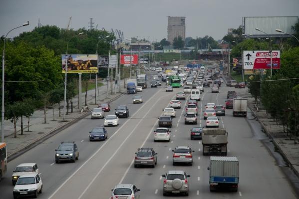 За первую половину года жители Новосибирской области купили 8 тысяч новых машин