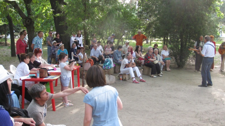 «На пеньках» займутся любовью: волгоградцев зовут пятничным вечером в Комсомольский сад