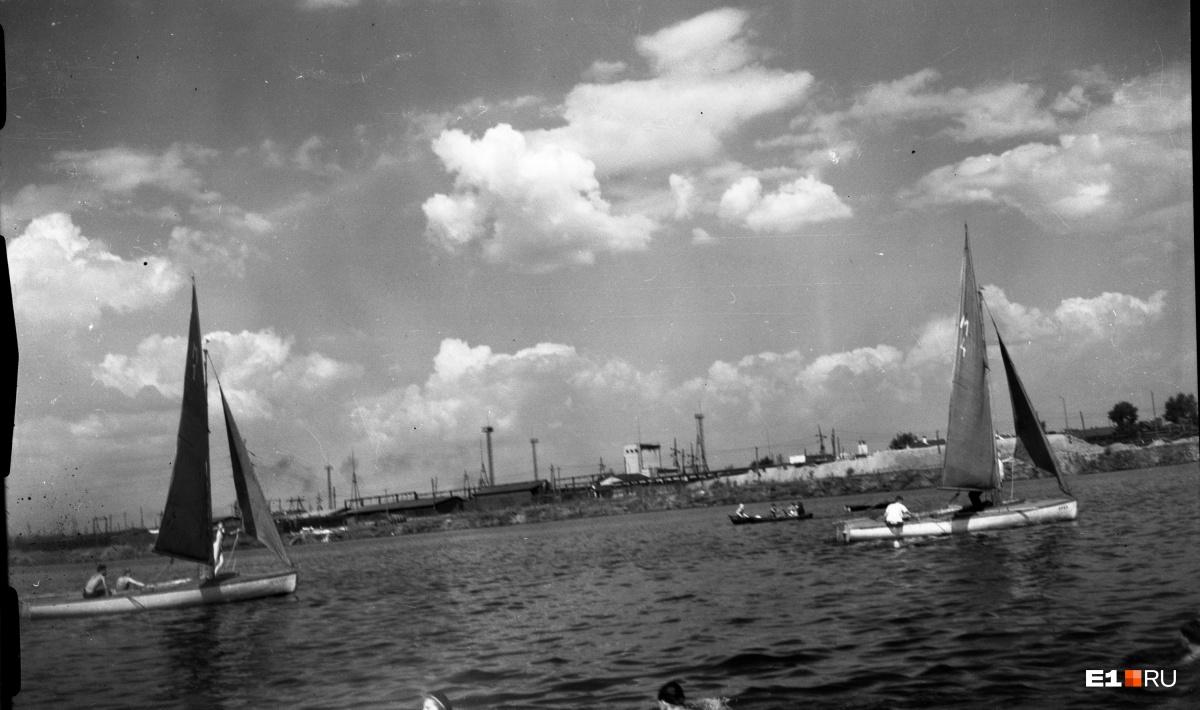 Яхты на Верх-Исетском пруду. 1954 год