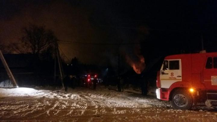 Приютили соседи: на улице Городецкой шесть человек успели спастись из горящего дома