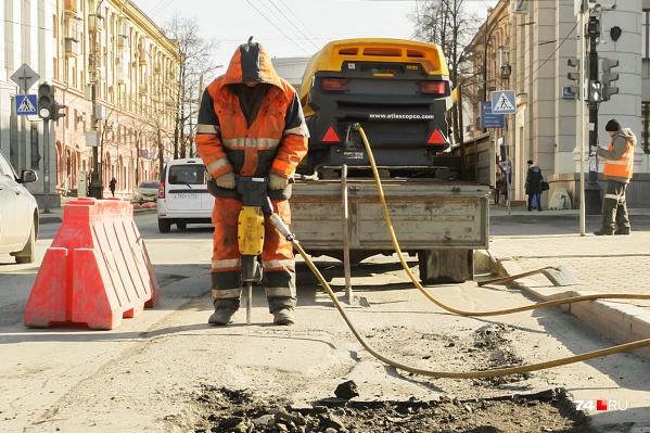 Октябрь близится к концу, но у дорожников ещё большие планы по ремонту челябинских улиц