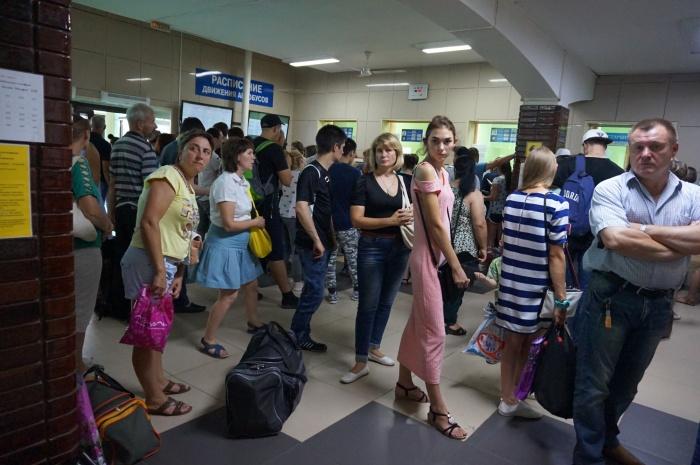 Из-за сломавшейся программы на автовокзале образовались большие очереди