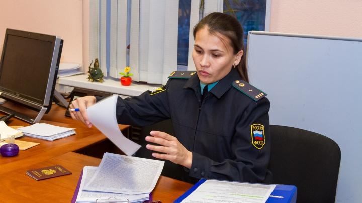 Зауральцы должны за коммунальные услуги более двух миллионов рублей. Приставы идут по домам