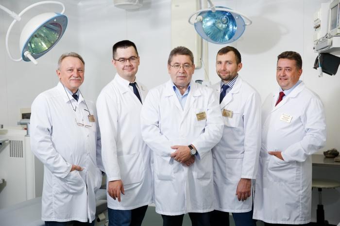 Большая часть команды клиники— преподаватели, кандидаты и доктора медицинских наук кафедры офтальмологии УГМУ