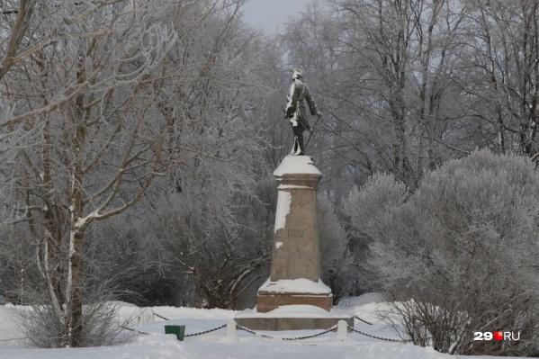 Знаменитый архангельский памятник Петру I уже внесен в госреестр