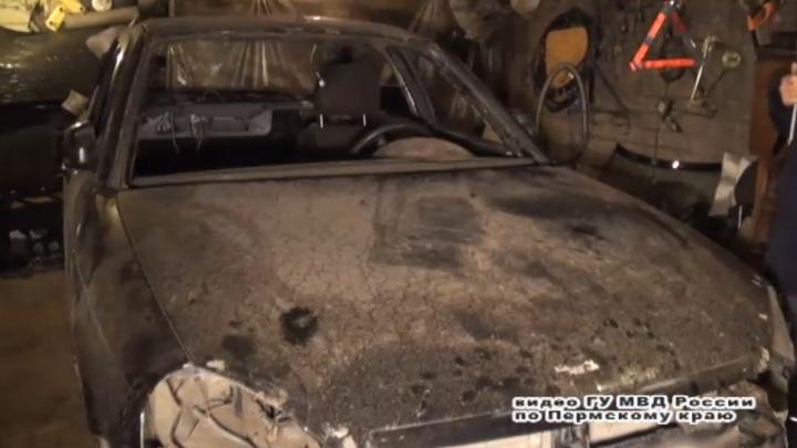 Полиция Перми задержала банду автоугонщиков, которые выращивали коноплю. Видео