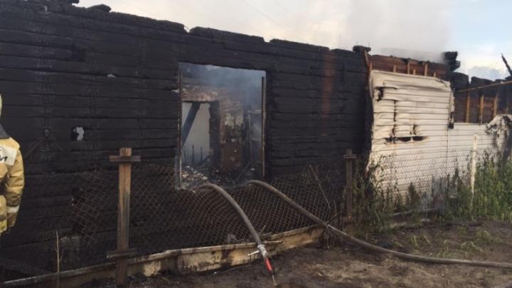 Пожар на Чехова: семья с шестью детьми лишилась дома