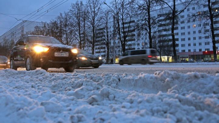 Снегопад разбушевался: стихия бросила вызов новому мэру Уфы