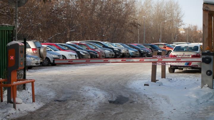 В Тюмени мужчина инсценировал угон машины, которой у него не было, чтобы получить страховку