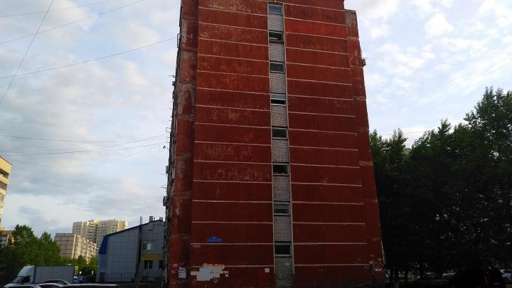 Из-за возгорания в высотке наСтавропольской эвакуировали 43 жильца. Один ребёнок попал в больницу