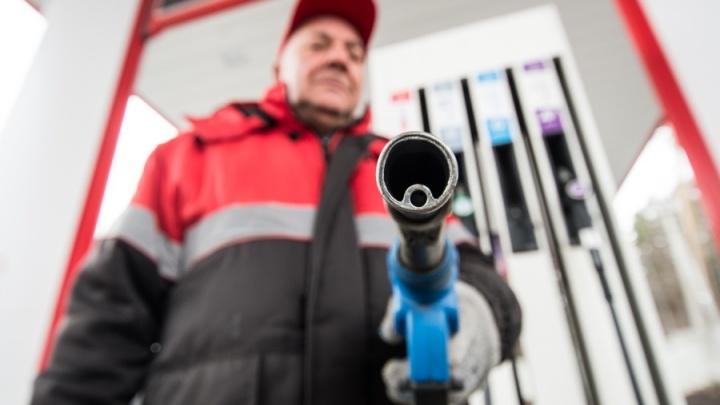 Чёрная пятница? Цена на нефть упала ниже 60 долларов