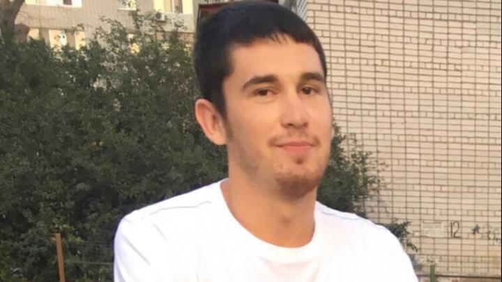 «Сидел в чужом дворе и молчал»: в Волгограде на поиски пропавшего студента вышли его одногруппники