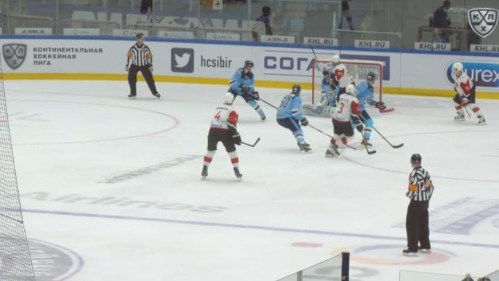 Совсем несмешно: «Сибирь» проиграла девятый матч сезона
