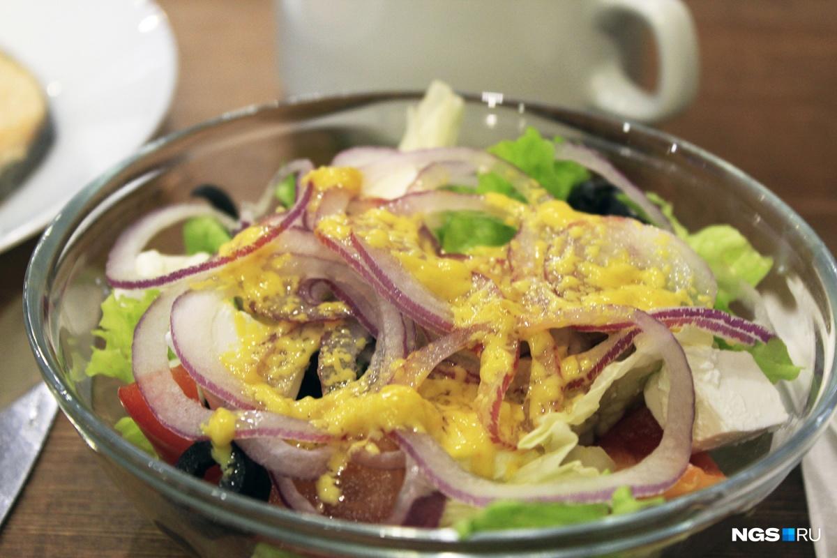 Греческий салат в «Подсолнухах» за 51 рубль