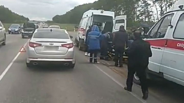 В Башкирии столкнулись Opel и Ford Fusion: пострадавших увозили на двух скорых