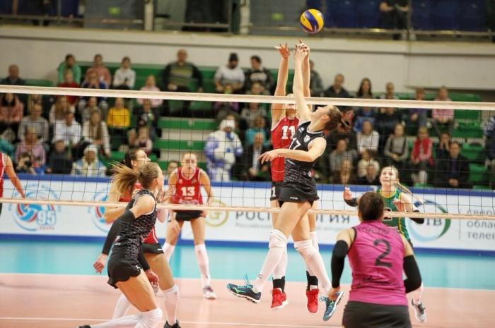 Спортсменки «Уралочки» уверенно идут к медалям чемпионата