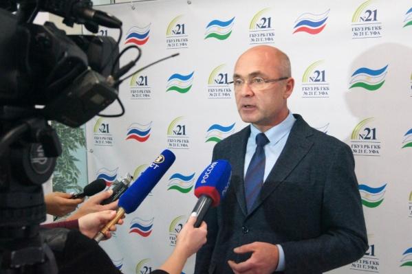 Анвар Бакиров занимает кресло министра с 2014 года
