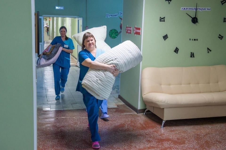 В санатории, кроме местного персонала, будут работать врачи из Москвы, а также военные медики